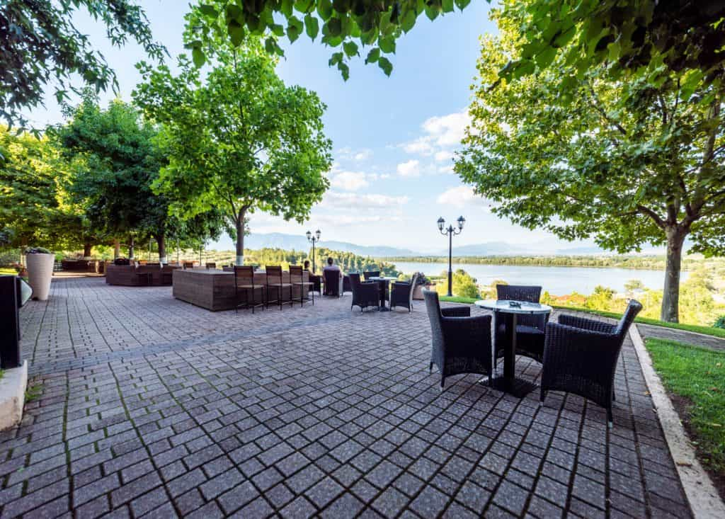 cafe bar erodios at lake kerkini